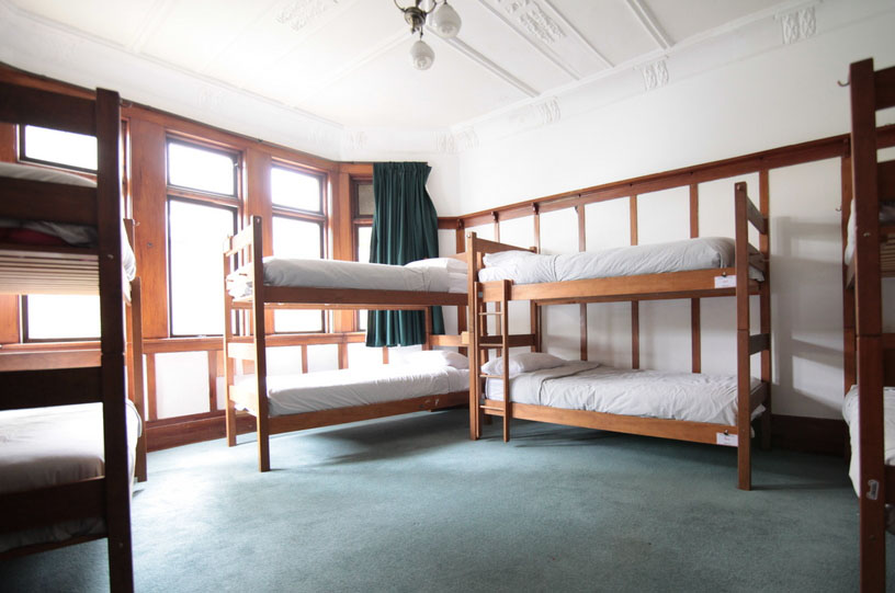 8 bed